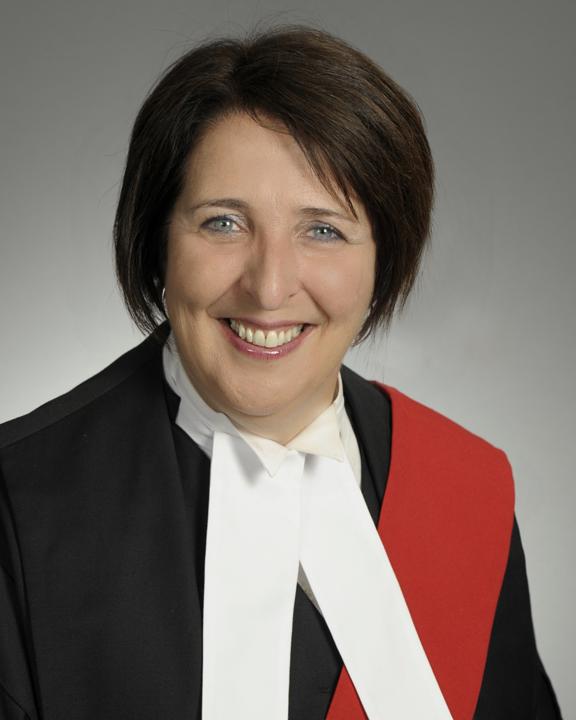 Lise Maisonneuve Headshot