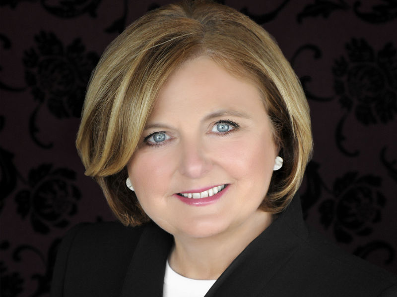 Photo of Maureen McTeer